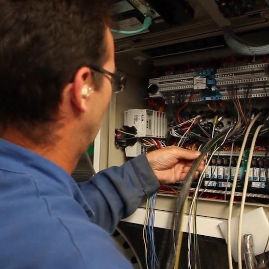 vracplus-metier-electricien